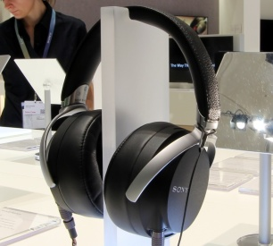 Sony-MDR-27-Front-Seitlich1