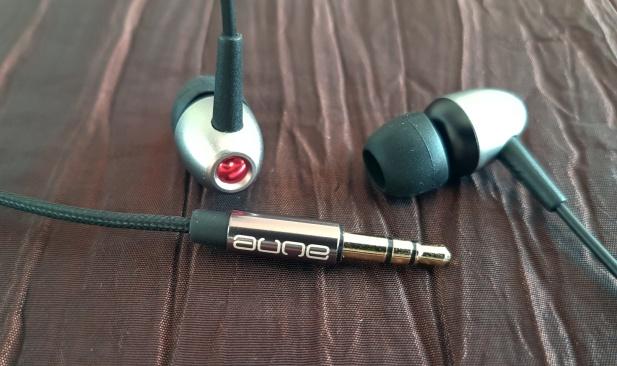 E1 - słuchawki2
